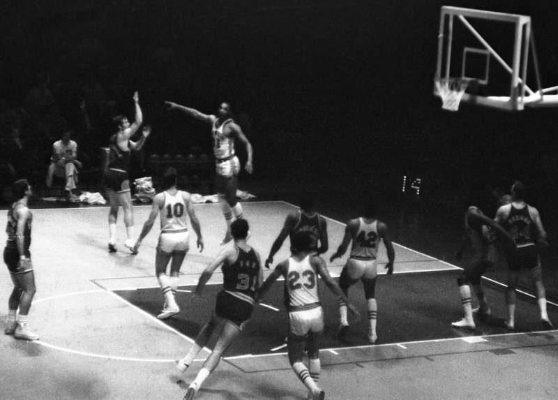 Atlanta Hawks vs. Phoenix Suns (1969)