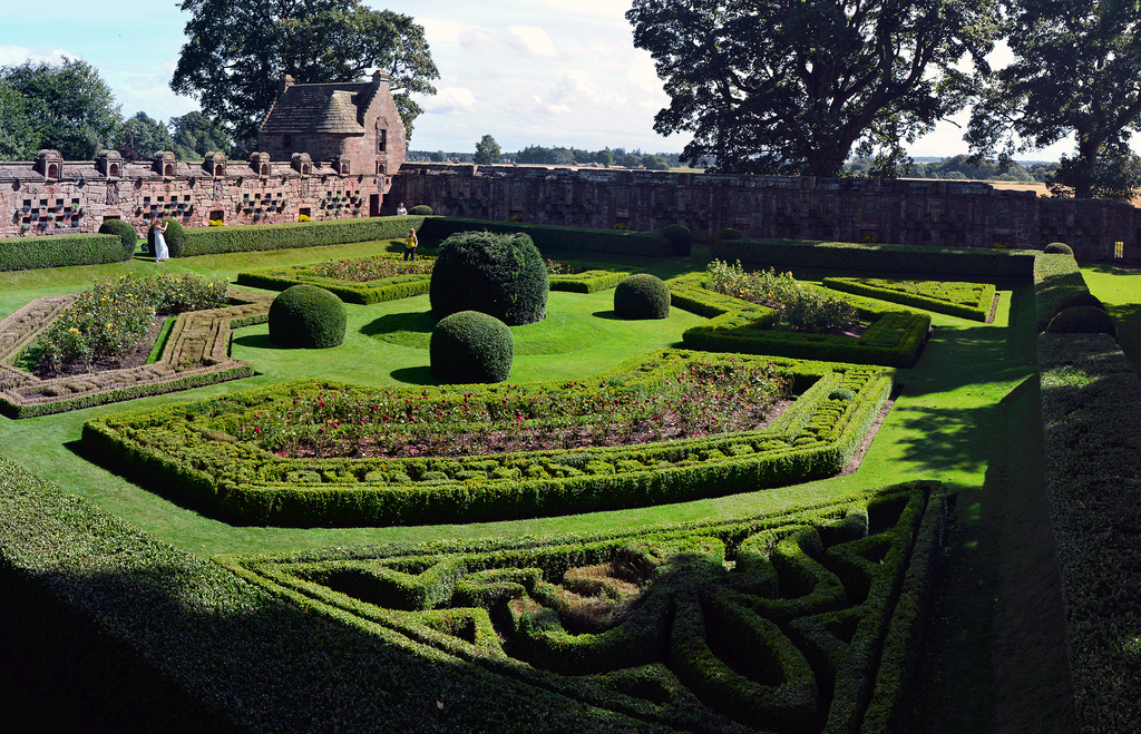edzell castle walled garden