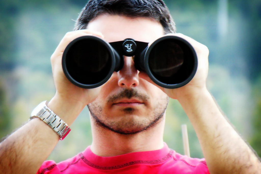 Binoculars portrait (dscn4659_mod_vign_sm)