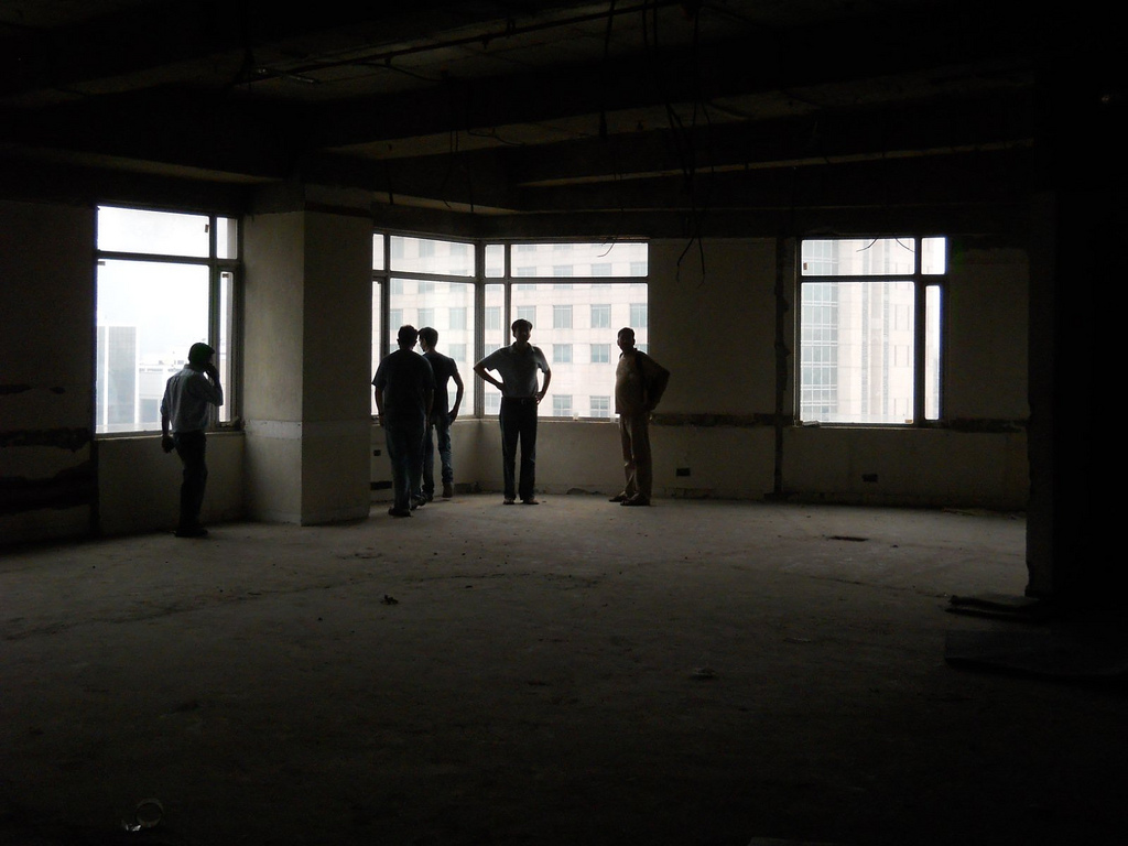Office 9 Gurgaon Global Business Park 6F ~3K corner office bare needs build out 3 toilets 002